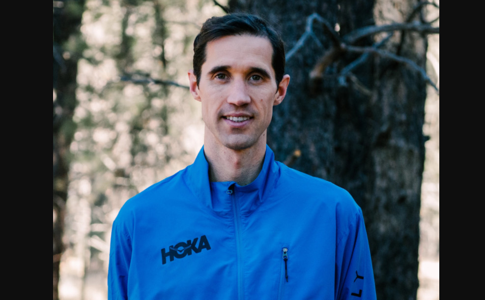 Ryan Hill has signed with HOKA ONE ONE NAZ Elite