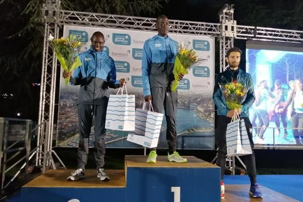 Refugee athletes Domnic Lokinyomo Lobalu and Paulo Amotun Lokoro finished 1-2 in the Harmony Geneva Marathon UNICEF 10km