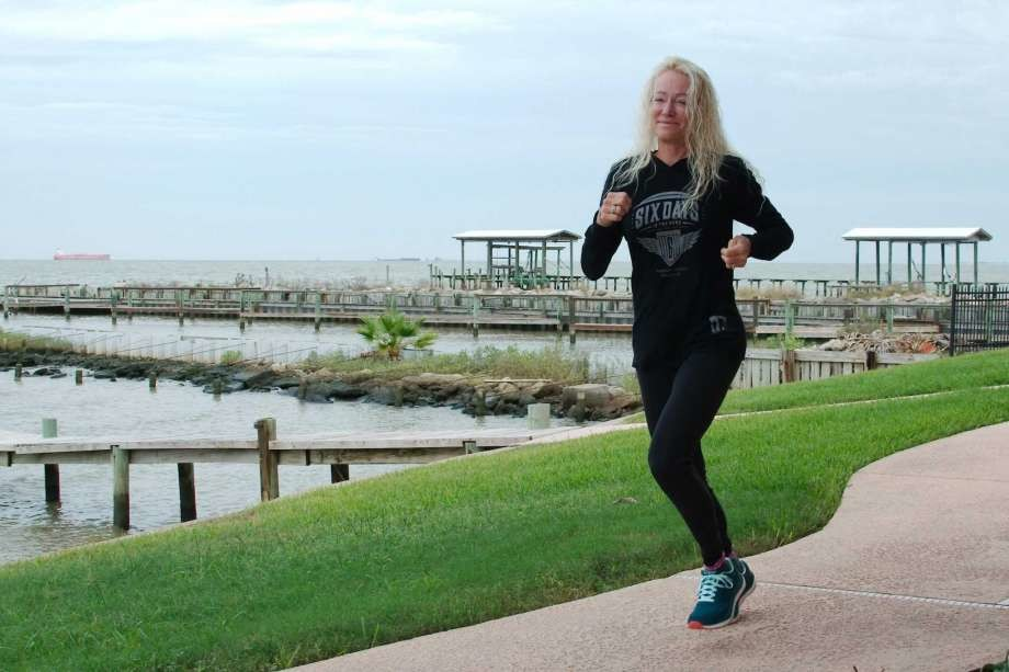 Grandma, Pamela Chapman Markl, 64, is breaking ultra marathons records