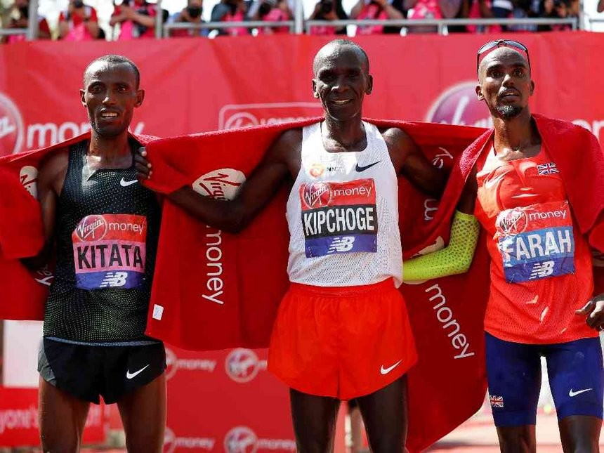 Kipchoge wins London Marathon, Mo Farah finishes third and smashes British Record