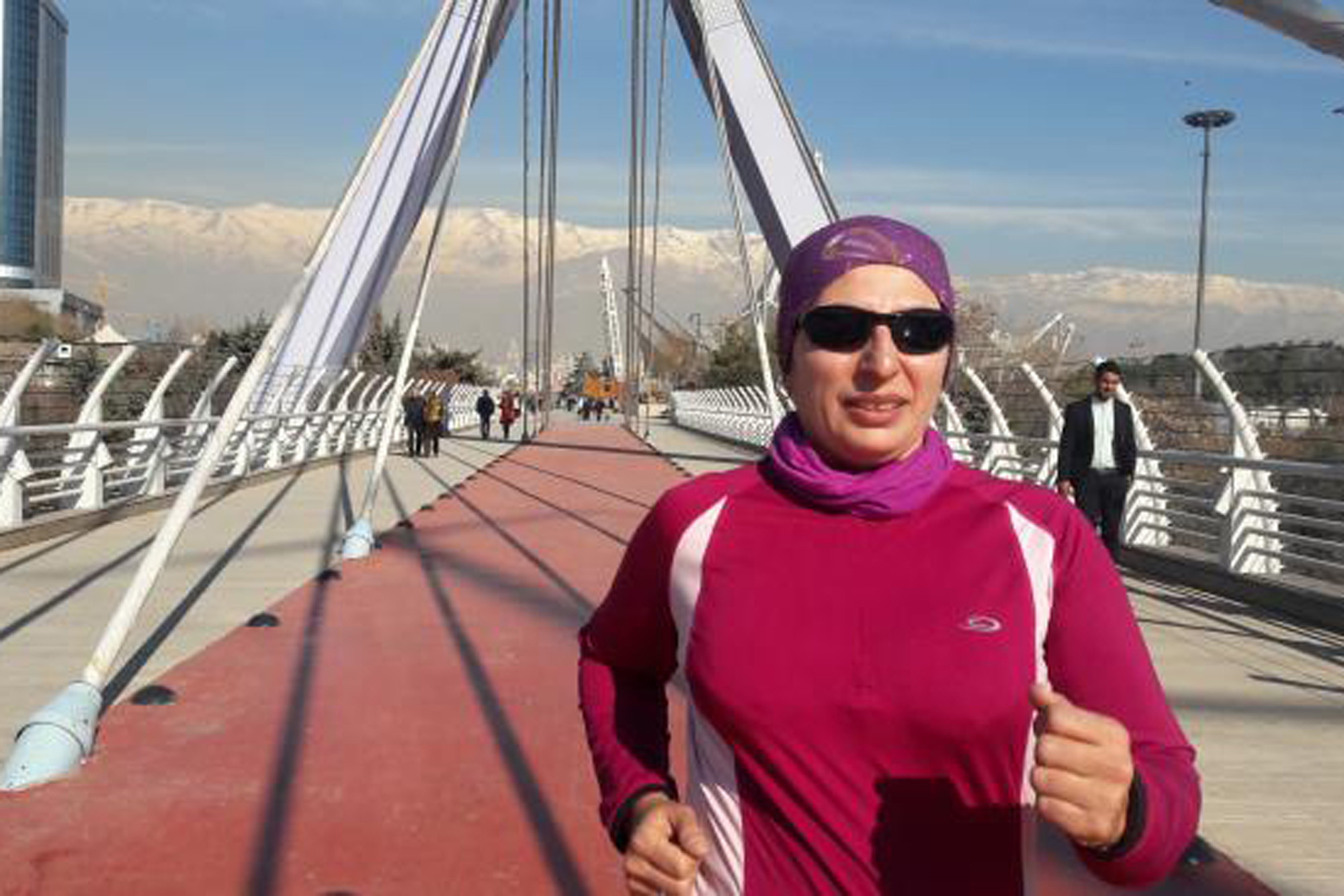 First woman to Run A Marathon In Iran
