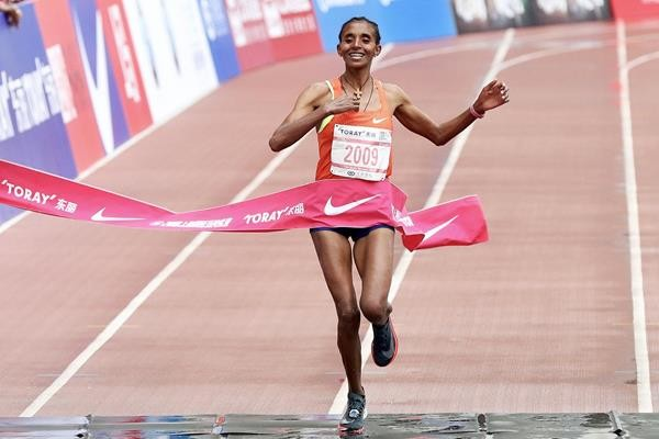 Course record-holders Yebrgual Melese and Paul Lonyangata, will return to the Shangai Marathon this weekend