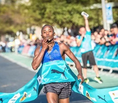 Kipkoech clocked the world's fastest 12K at Cape Town 12 Onerun