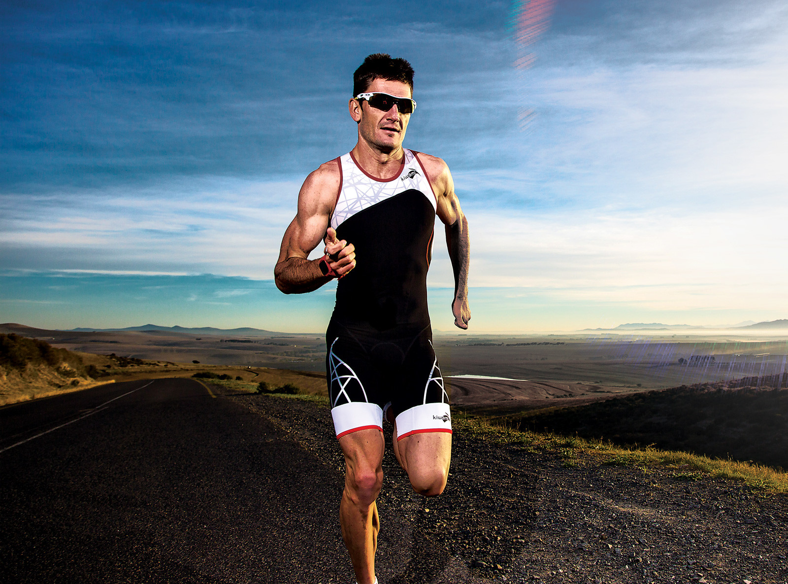Triathlete Richard Murray runs 28:04, third-fastest 10K in South African history