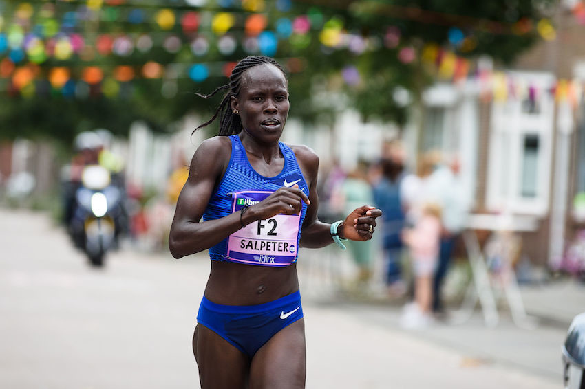 Israel's Lonah Chemtai Salpeter smashed the European 10km record with 30:05 at the Tilburg Ten Miles