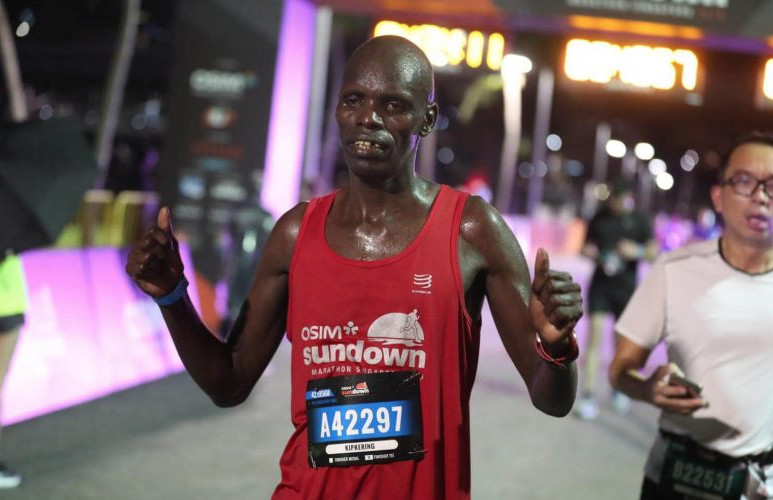 Kenyan Kipkering makes up for his 2018 Sundown Marathon DNF by winning  the title this year